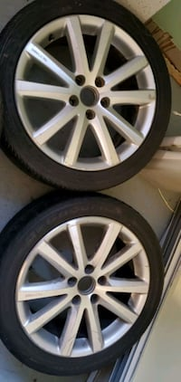 17 inch mags. VW ORIGINAL MAGS  Longueuil