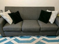 3 seater couch Lachine, H8T