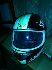 Motorcycle full-face helmet