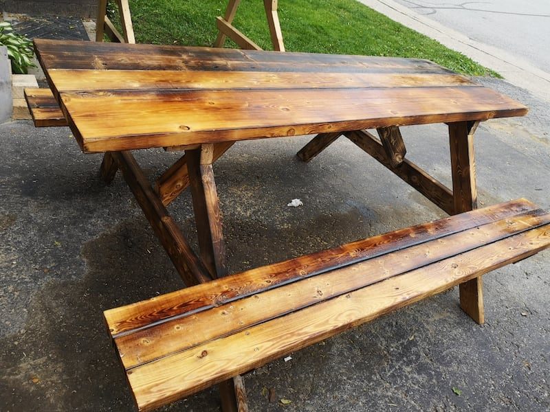 Picnic tables 8