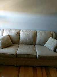 Couch Ames, 50010