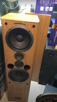 Pioneer tower speakers  Whitchurch-Stouffville, L4A 4Z4