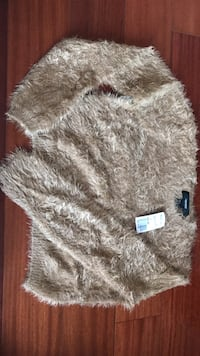 Forever 21 ladies faux fur crop sweater Rowland Heights, 91748