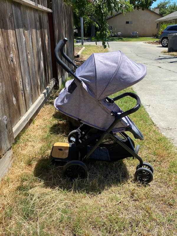 Evenflo Stroller and Car seats dc827d9f-252f-4811-b894-6dc70c5cce72