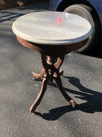 Antique pot stand Catonsville, 21228