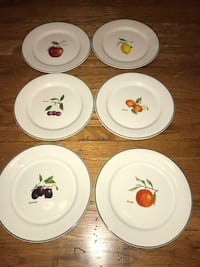 Dessert plates picturing fruit (in French)