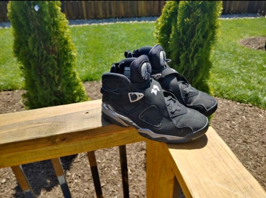 Photo Mens Jordan 8 Retro Sz 9.5