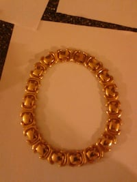 gold-colored link bracelet Upper Darby, 19082