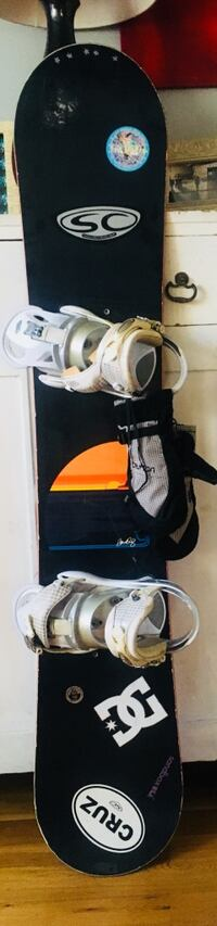gnu 146 snowboard, bindings, boots and gloves Los Angeles, 90038