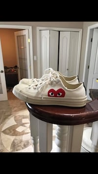 CDG CONVERS dead stock SIZE 8 Vancouver, V5R 2T8