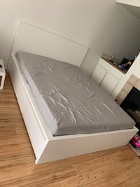 Bedframe included mattress  Los Angeles, 91405