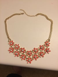 Flower necklace GERMANTOWN