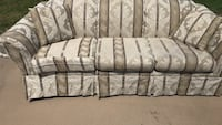Couch good Condition 3 pillows very clean  Fort Worth, 76126