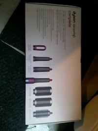 DYSON AIRWRAP BNIB c/w all styling accessories and carrying case   Vancouver, V6A