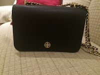 Like new authentic Tory Burch Robinson adjustable strap handbag $300 firm Burlington