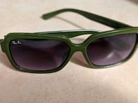 green framed Ray-Ban wayfarer sunglasses Surrey, V3S 9Y9