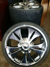 Crome 18inch rims and tires with caps Pittsburg, 94565