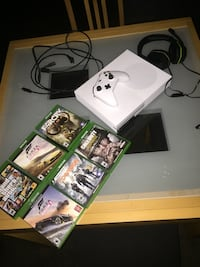 white Xbox One console with controller and game cases Pottsville, 17901