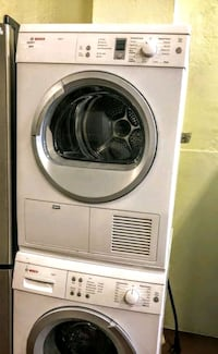 BOSH COMPACT SIZE WASHER AND DRYER STACKABLE Riverside, 92505