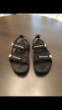 Men's Nike Sandals size 9 (Used Once) Milton, L9E 0K7