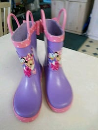 Disney Minnie Mouse and Daffy Duck rain boots 10 Colton, 92324