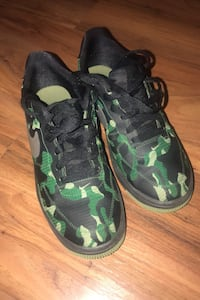 Boy's Air Force 1 Size 6 Green Camouflage.