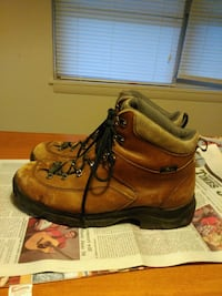 pair of brown leather work boots Burnsville, 28714