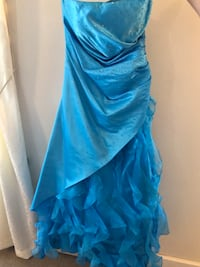 Blue prom dress with gems and ruffles Forest Hill, 21050