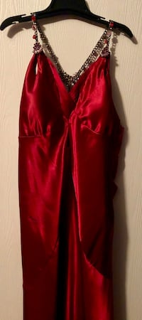 Women's red formal dress. Size 7/8 San Antonio, 78249