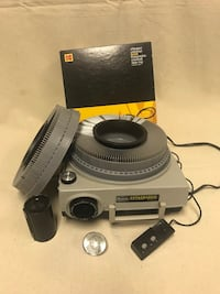 Kodak projector comes with extra light & slides Jacksonville, 32225
