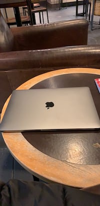 MacBook Pro Woodbridge, 22192