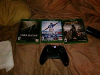 Xbox One console with controller and game cases Belmont, 28012