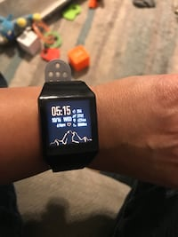 Smart watch comparable with iPhone and android fit