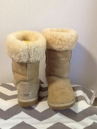 UGG Womens size 6 (Good Shape) Connelly Springs, 28612