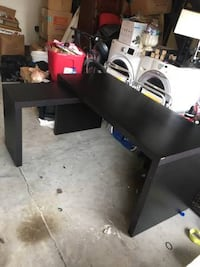 Modern Desk with Pullout 4 km
