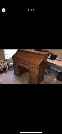 Beautiful roll top desk! Bennington, 68007