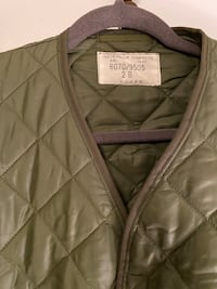 Quilted olive green shell jacket Toronto, M5S 2Y1
