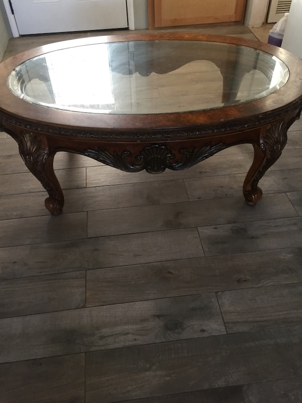 Beautiful elegant Ashley furniture coffee table $100