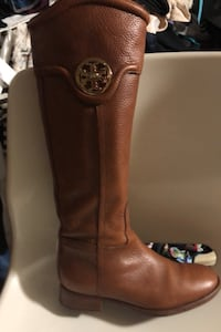Tory burch knee high boots size 6M
