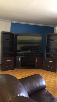 Excellent condition. TV not included. Brampton, L6T