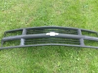 1999 Suburban Front Grille  148 km