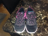 Lighy worn sketches running shoes for sale size 5 youth. Toronto, M5V 0E3