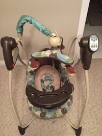 Baby's brown and green portable swing Brampton, L6S 6A8