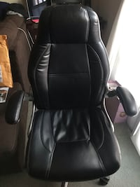black leather office rolling chair Arlington, 22206