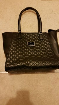 Guess Purse Mississauga, L5R 2A5