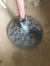 Umbrella stand with extension pole