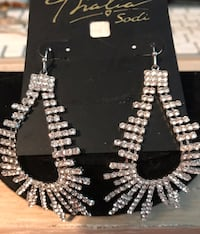 Big and beautiful rhinestone earrings Silver Spring, 20904