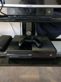 Xbox one with kinect and a controller Henderson, 89015