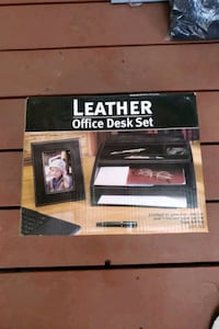 Leather. Office desk set Coquitlam, V3J 3T5