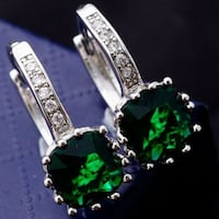 $20 Brand New Sterling Silver Plated Earrings Round Cut 2.0CT Green And White CZ In package /E10-1 1290 mi